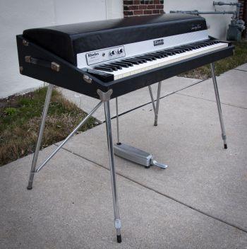 1975 Rhodes MKI 73 Stage Piano
